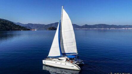 Catamaran ANDROMEDA