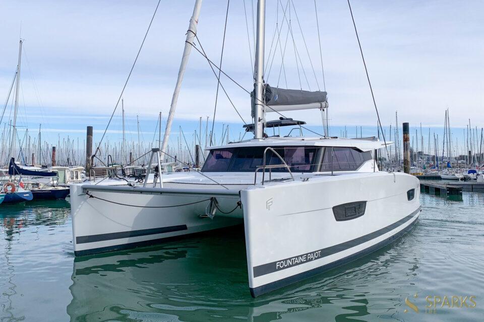 Sailing catamaran Merengue