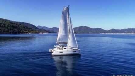 Catamaran SKY MARIA