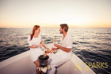 Как устроить удивительный вечер на яхте