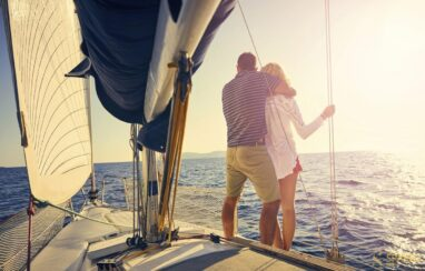 How to arrange an amazing evening on a yacht?