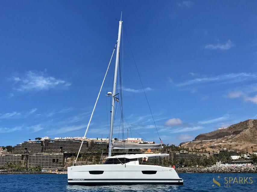 Catamaran Aquila