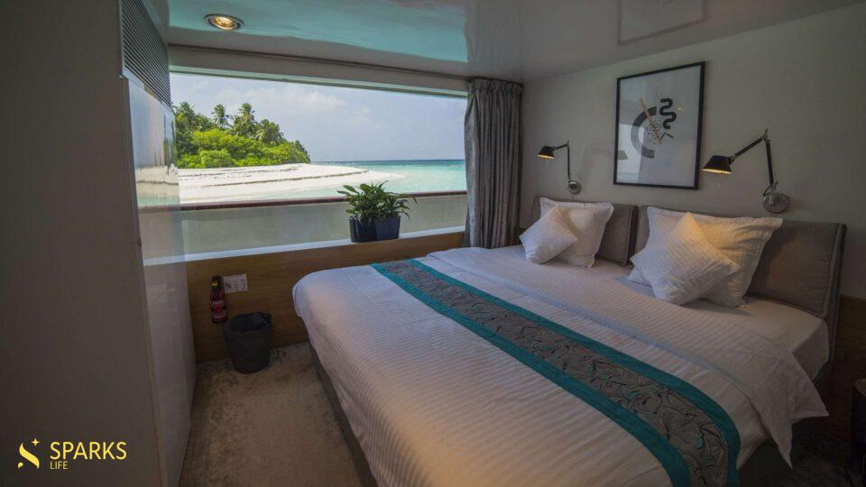 Luxury motor yacht Azalea (2015)