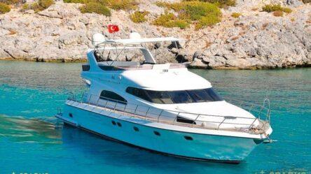 Моторная яхта Mona 03-112
