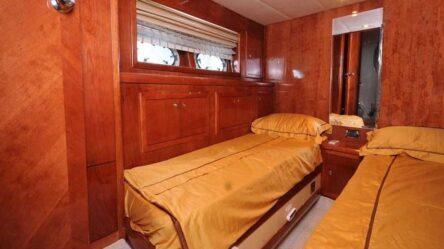 Моторная яхта CLEOPATRA LUXURY