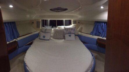 Motor yacht Fairline