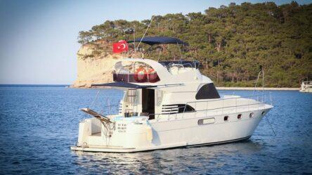 Моторная яхта TU NAVY 4