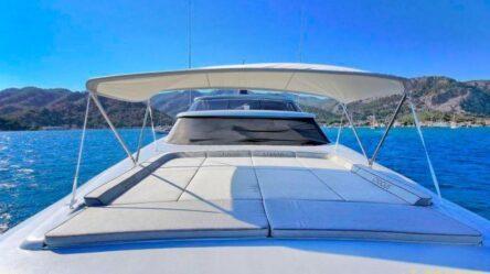 Motor yacht Mona 06-400