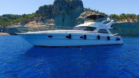 Моторная яхта SAHRET