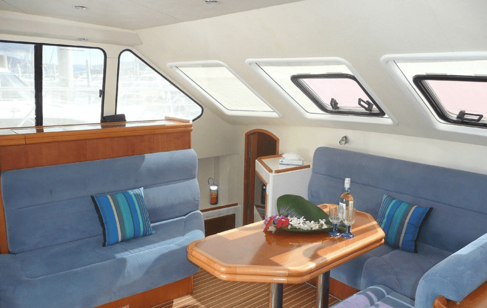 Motor Yacht Sunseeker Deluxe