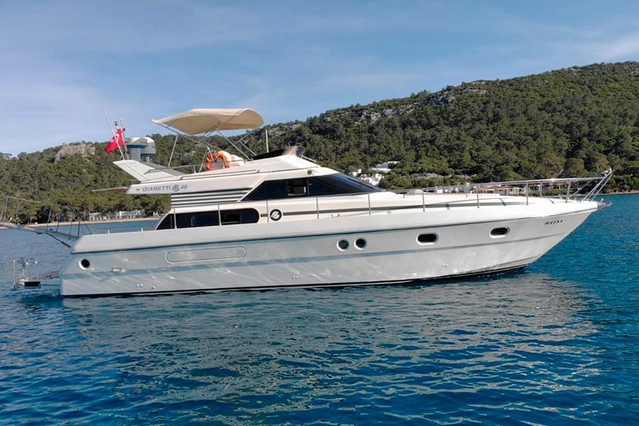 Моторная яхта TOROS