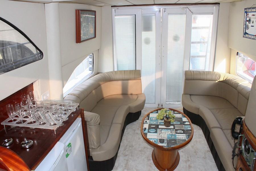 Motor yacht TU NAVY 4