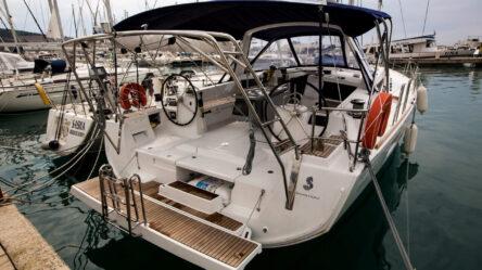 Парусная яхта Jazz