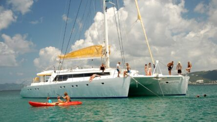 Rent a cabin on the catamaran Mojito 82