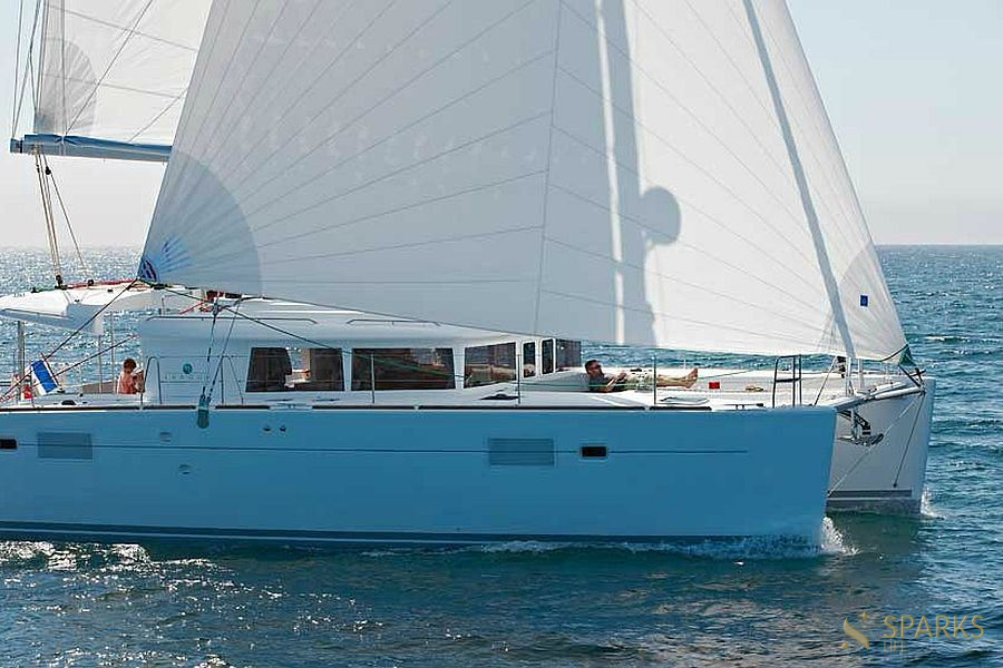Rent a cabin on the Lagoon 450 catamaran