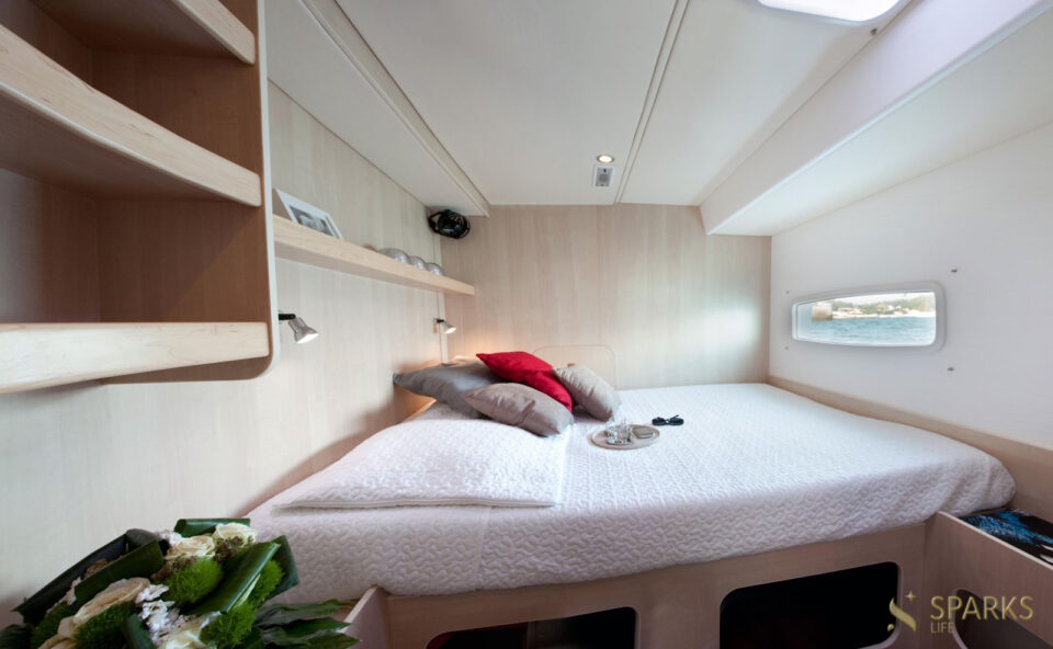Rent a cabin on the yacht Dream 60