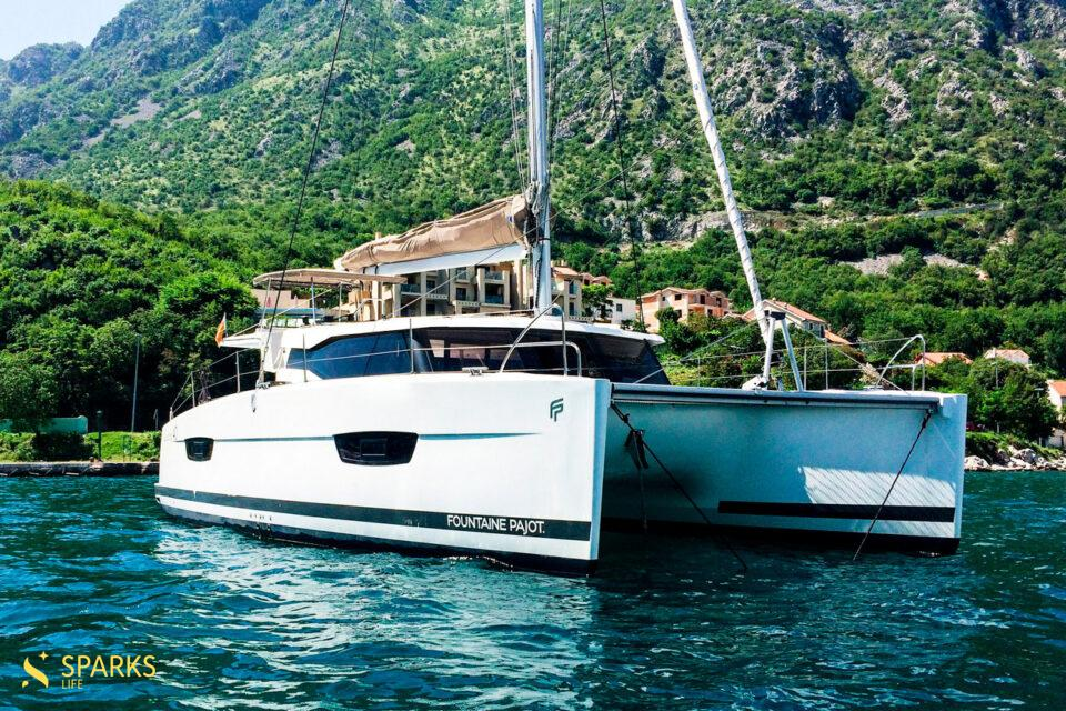 Sailing catamaran Mawimbi