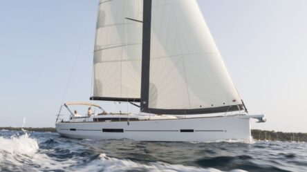 Sailing yacht Dufour 520 Grand Large