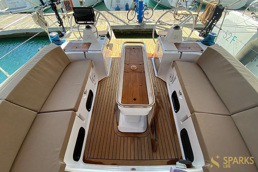 Парусная яхта EPOCH