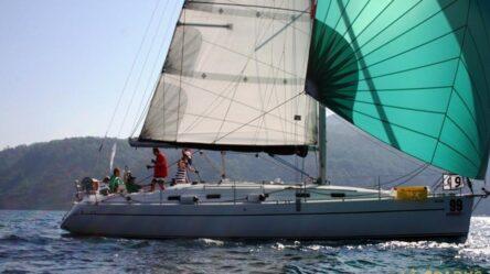 Парусная яхта NERINA