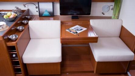 Sailing yacht Oceanis 45