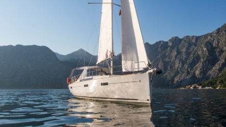 Парусная яхта Rumba
