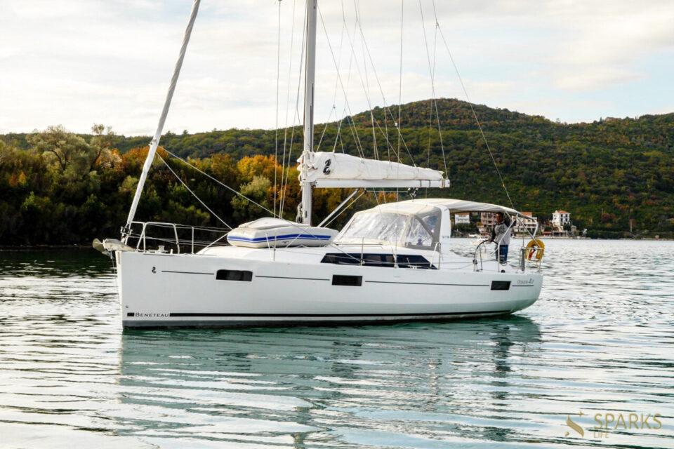 Sailing yacht Veda