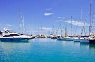 Types of yachts - how to choose transport for your adventure?